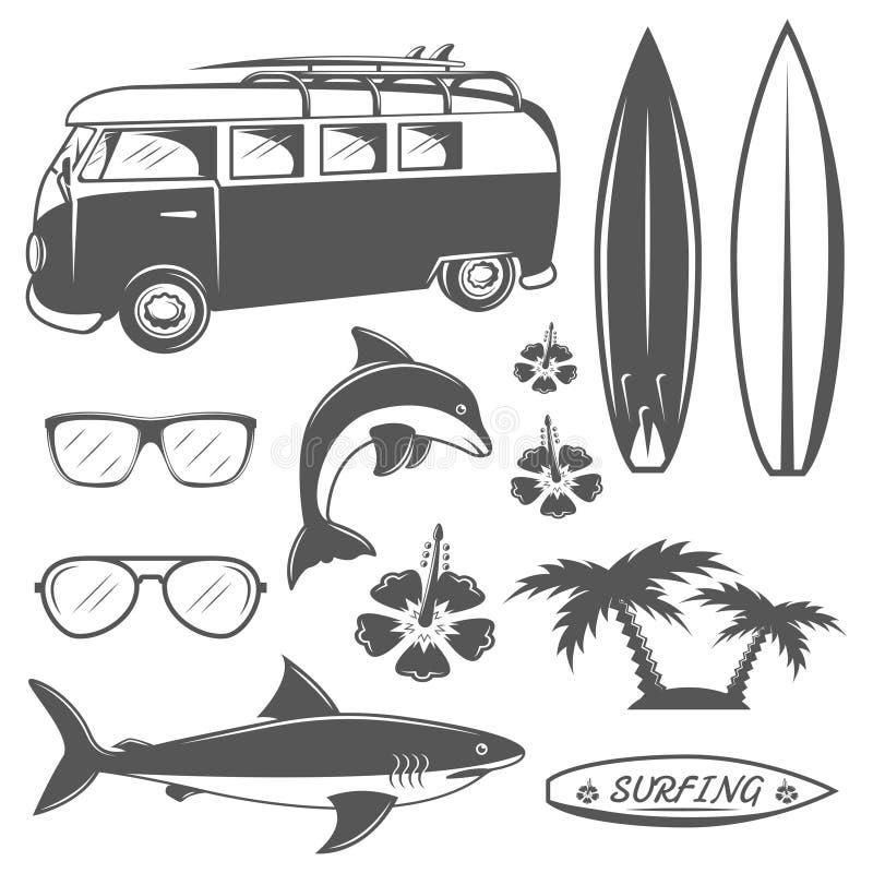 Комплект винтажных занимаясь серфингом элементов дизайна в monochrome стиле бесплатная иллюстрация