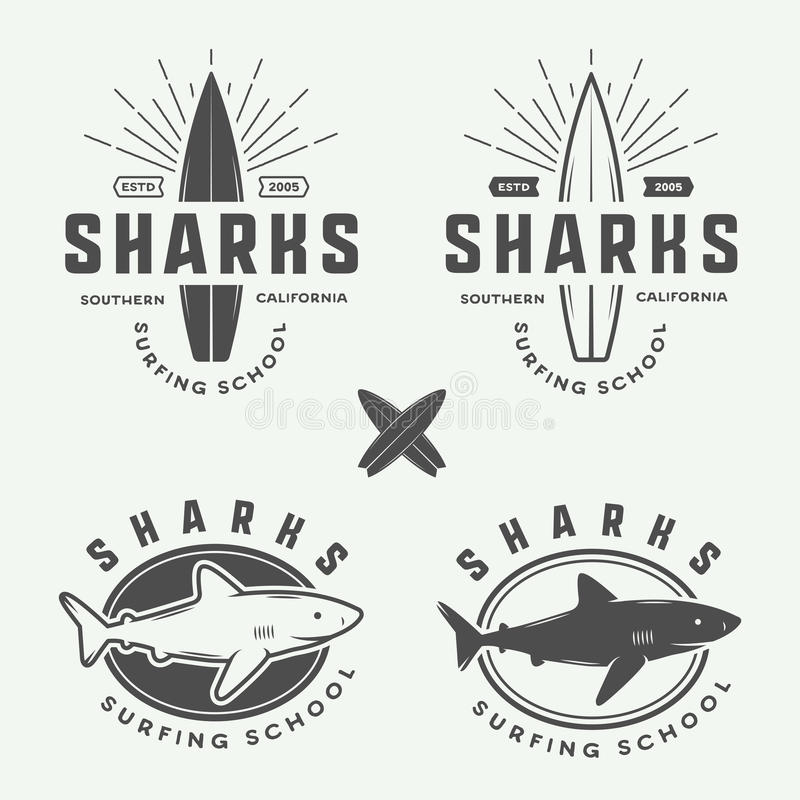 Комплект винтажных ретро логотипов серфинга, лета и перемещения, эмблемы, иллюстрация вектора