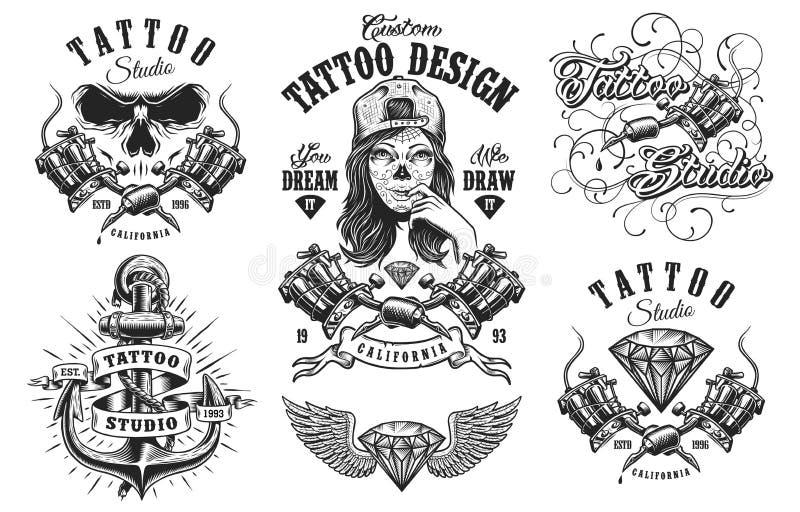 Комплект винтажных эмблем татуировки иллюстрация вектора