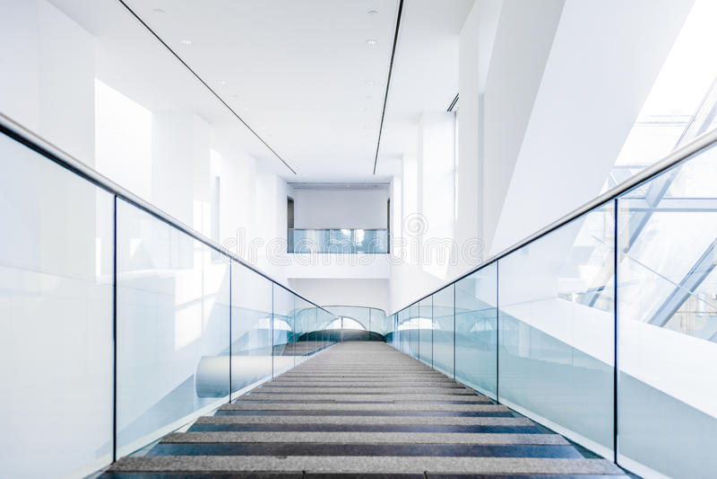 Комплект лестницы музея изящных искусств Монреаля современный стоковое изображение