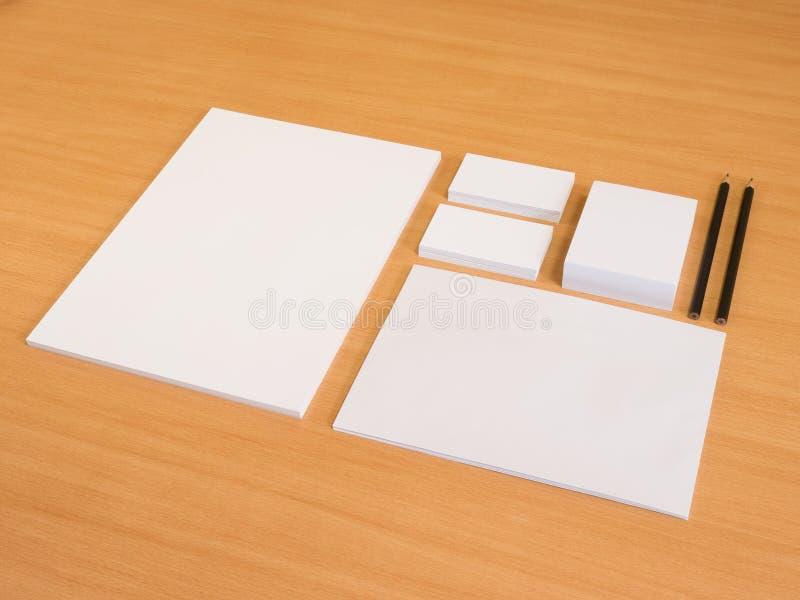Комплект клеймя элементов с карандашем стоковое изображение