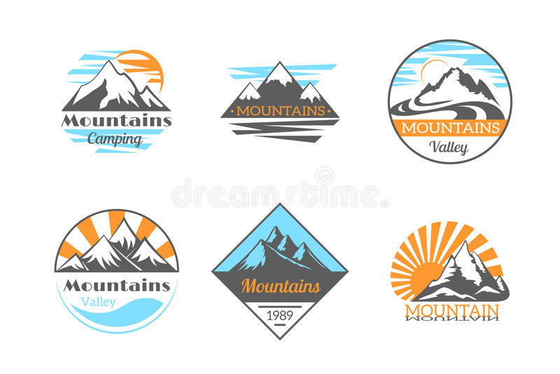 Комплект логотипа вектора гор Ярлыки утеса горы внешние располагаясь лагерем иллюстрация вектора