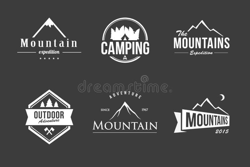 Комплект логотипа горы иллюстрация штока