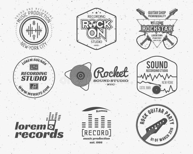 Комплект логотипа продукции музыки вектора, ярлыка, стикера, эмблемы, печати или логотипа с элементами - гитары, ядровой записи иллюстрация вектора