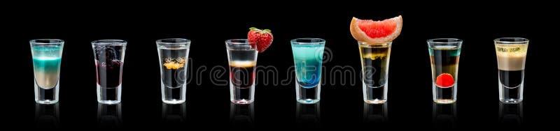 Комплект спиртных коктеилей стоковое изображение