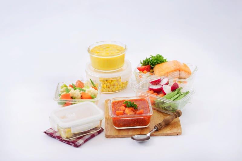 Комплект стеклянных блюд стоковое изображение rf