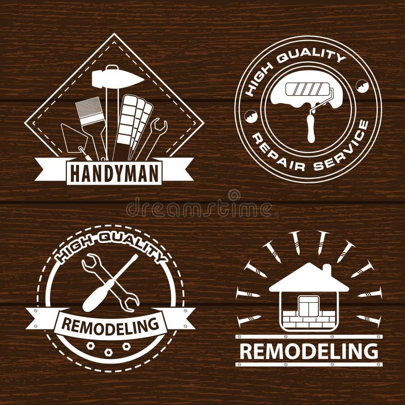 Комплект ярлыков и дома реновации дома remodeling логотипы Логотип разнорабочего на деревянной предпосылке иллюстрация вектора