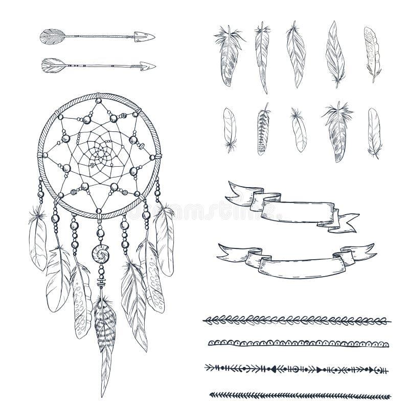 Комплект Dreamcatcher нарисованного рукой богато украшенного, пер, стрелок, лент и холста в контуре Этнический племенной элемент  иллюстрация вектора