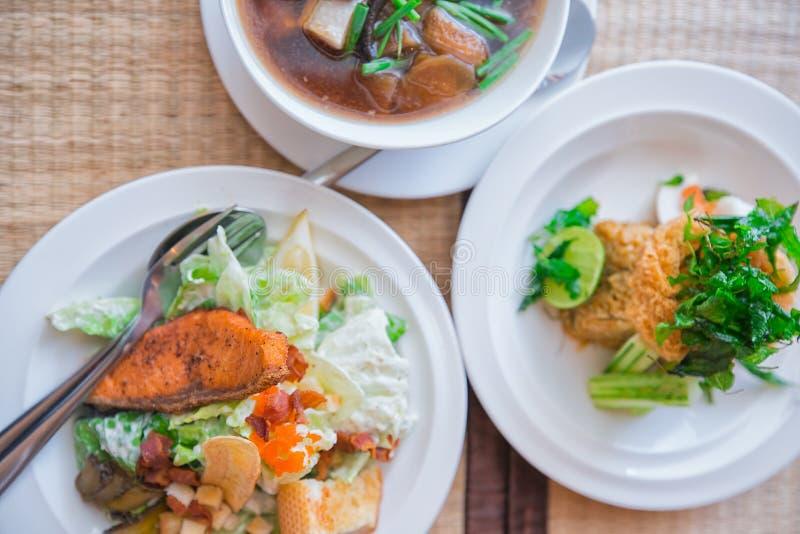 Комплект Salmon салата стоковое изображение rf