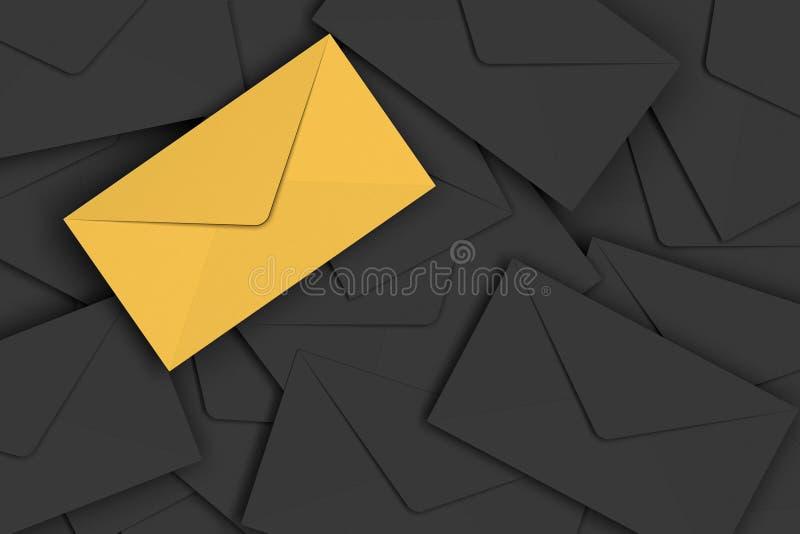 Конверт VIP золотой на куче черноты охватывает предпосылку стоковые фотографии rf