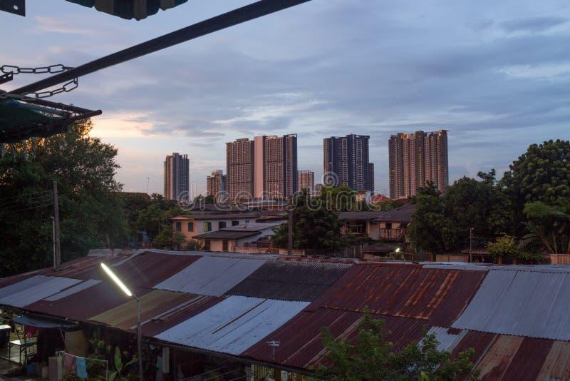 Кондо городское стоковое изображение rf