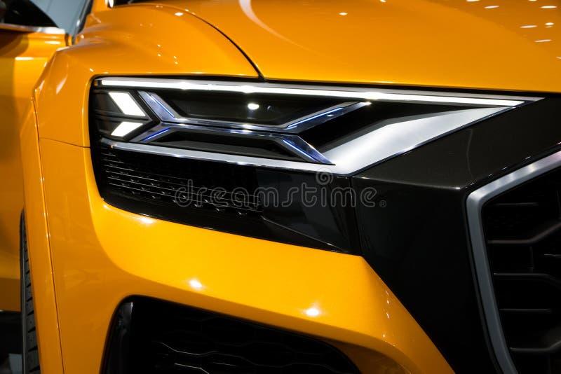 Конец автомобиля Audi Q8 вверх стоковое изображение