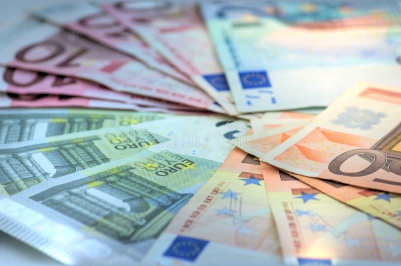 Конец-вверх всех банкнот евро в циркуляции в EC стоковые изображения