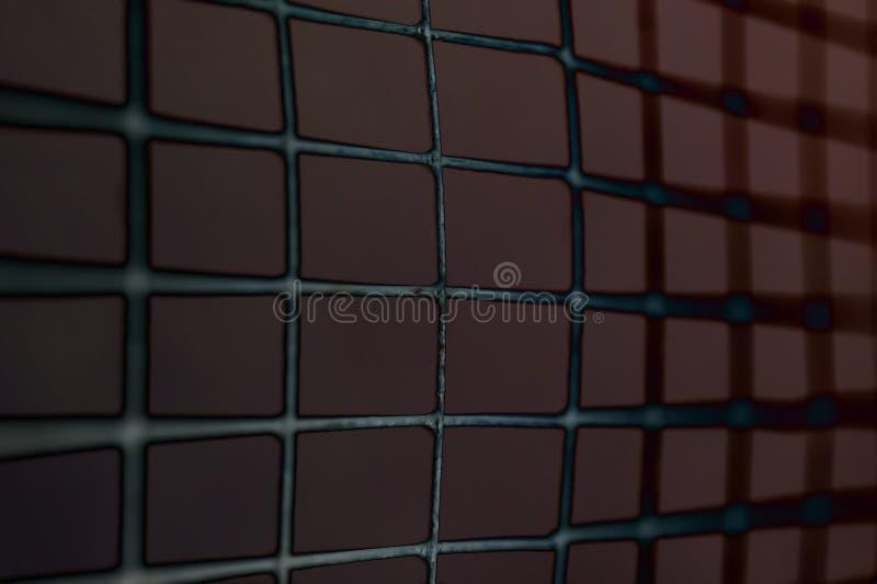 Конец вверх извива металла обнести отрицательный тон стоковое фото