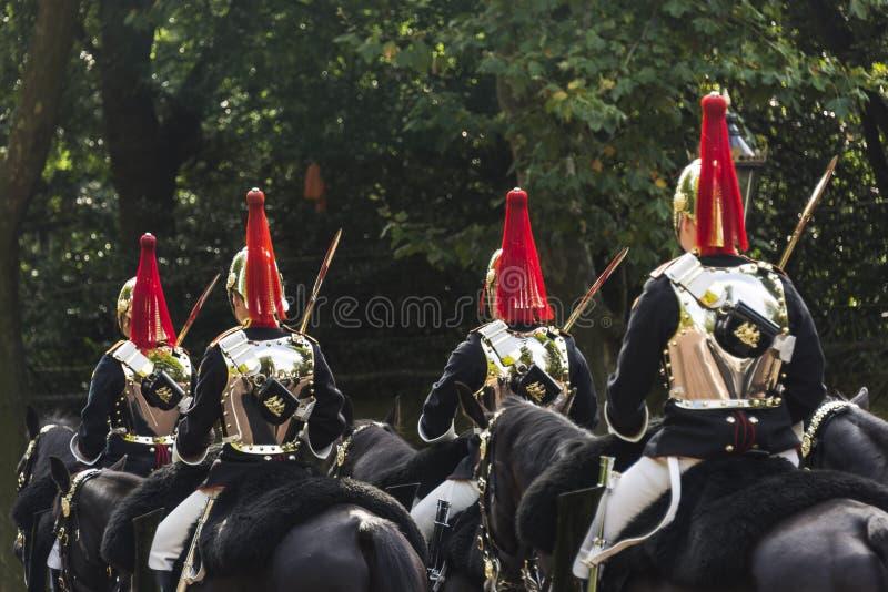 Конец-вверх королевских солдат армии стоковая фотография