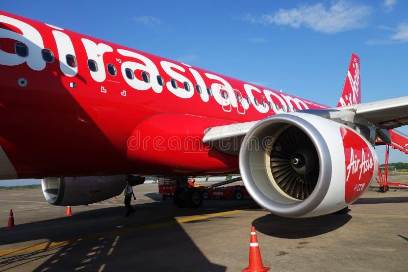 Конец-Вверх на тайском двигателе Air Asia на международном аэропорте Utapao стоковые фото