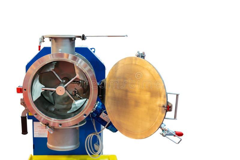 Конец вверх по плоским загонщику и летучей фрезе внутри бочонка типа высокотехнологичной коммерчески машины смесителя универсальн стоковые изображения rf
