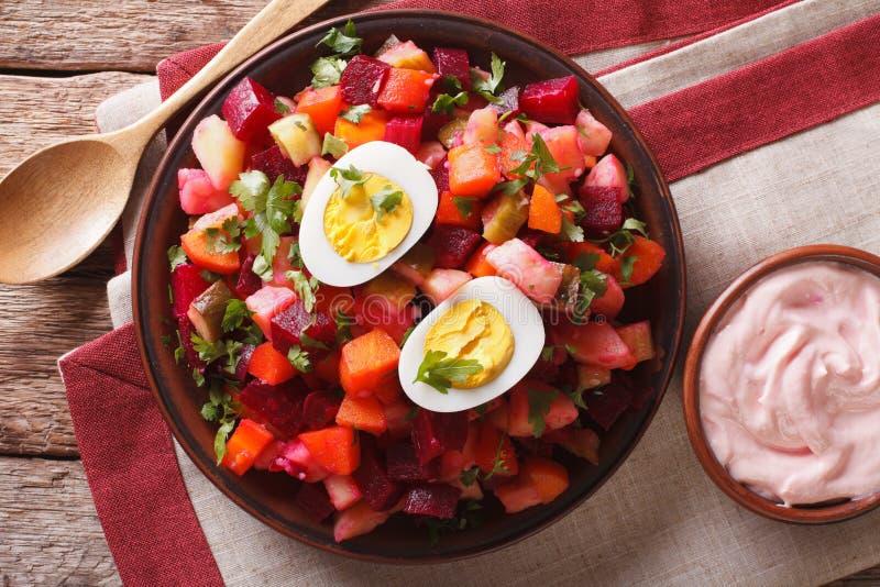 Конец-вверх салата и соуса финского rosolli vegetable горизонтальный t стоковые фото