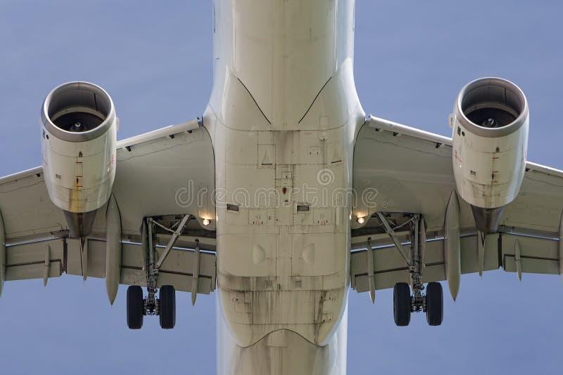 Конец-вверх современного реактивного самолета стоковое фото