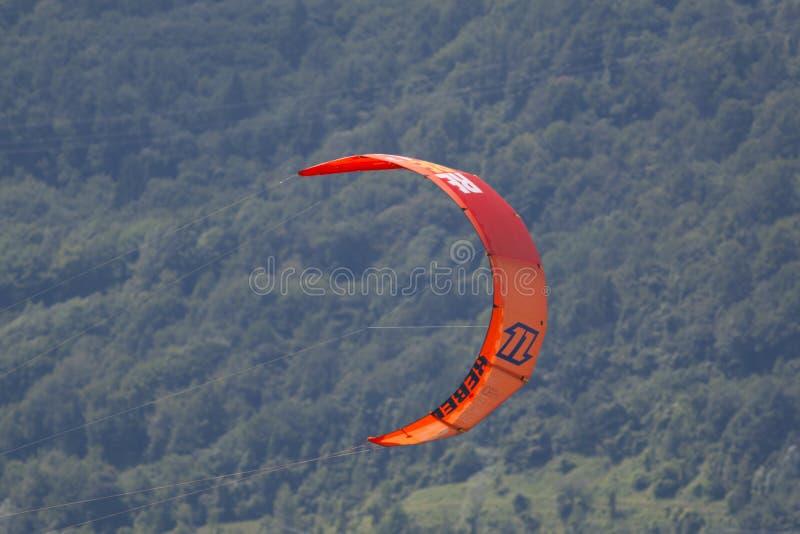 Конец-вверх kitesurfing ветрила стоковое фото rf