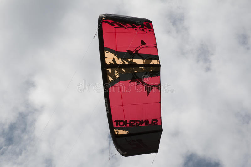 Конец-вверх kitesurfing ветрила стоковые изображения rf