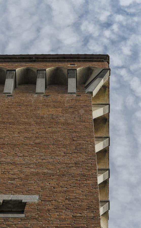 Конец-вверх Torre Guelfa в Пизе стоковое изображение