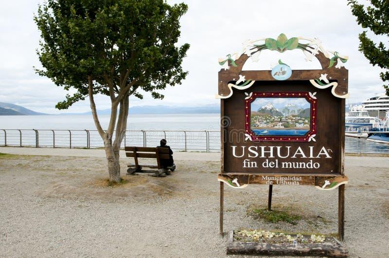 Конец знака города мира - Аргентина Ushuaia стоковое фото rf