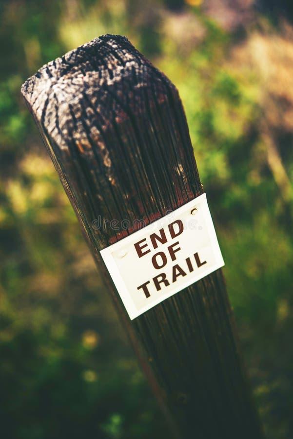 Конец знака следа деревянного стоковые фото