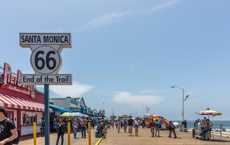 Конец Санта-Моника маршрута 66 следа стоковое фото rf