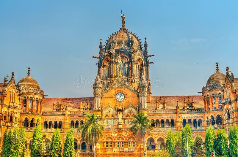 Конечная станция Chhatrapati Shivaji Maharaj, место в Мумбае, Индия всемирного наследия ЮНЕСКО стоковые фотографии rf