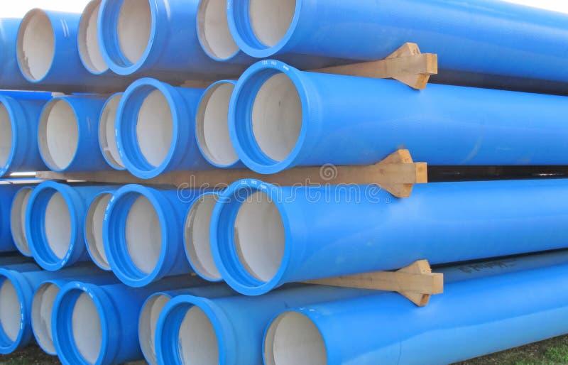 Конкретные трубы для транспортировать канализацию стоковое изображение rf