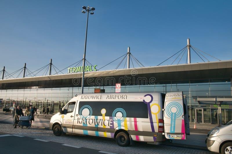 Конкурс авиапорта Катовице - стержень c - челнок до аэропорта стоковые изображения