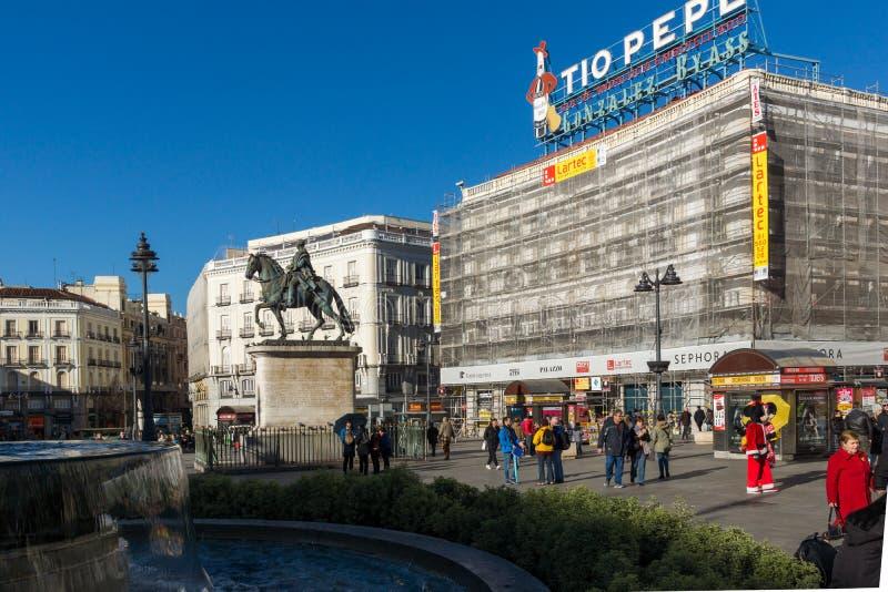 Конноспортивная статуя Карлоса III на Puerta del Sol в Мадриде, Испании стоковые фото