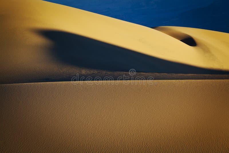 Конспект песчанных дюн в Death Valley стоковые фотографии rf