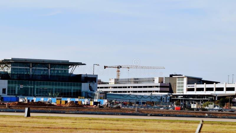 Конструкция аэропорта с краном стоковое фото rf
