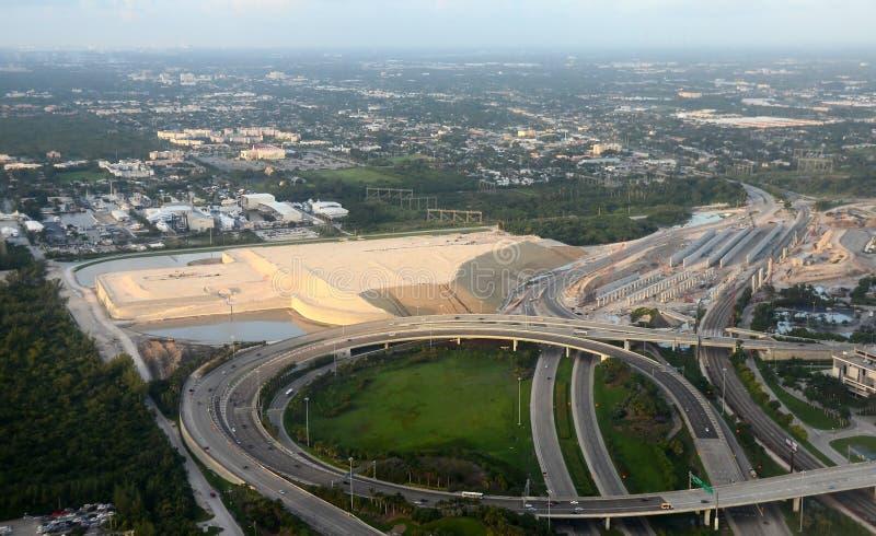 Конструкция взлётно-посадочная дорожка авиапорта Fort Lauderdale новая стоковое фото rf