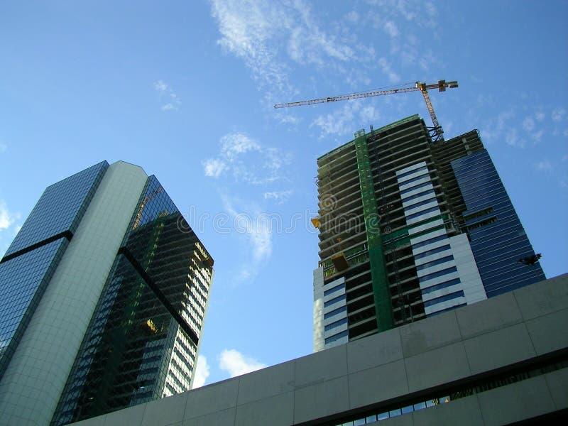конструкция дела здания вниз стоковые фотографии rf
