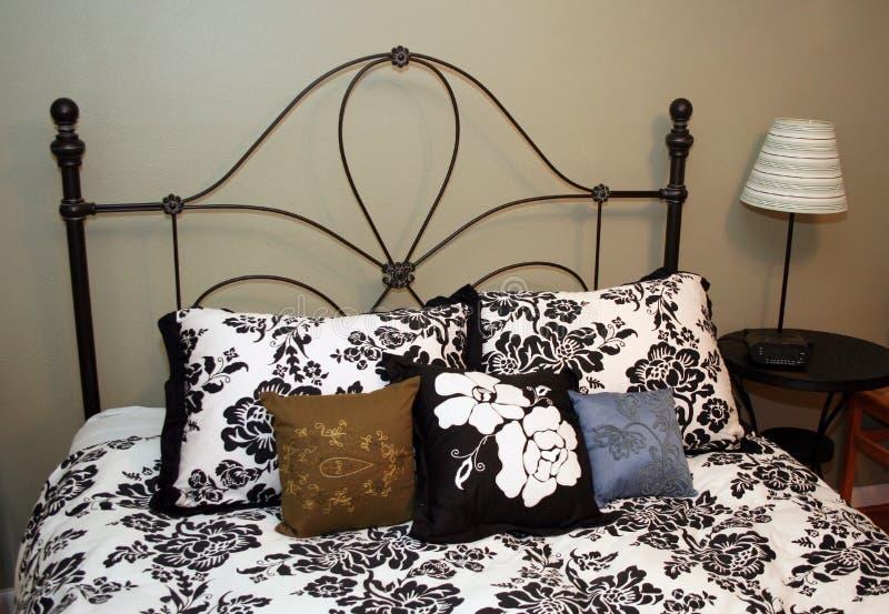 конструкция кровати стоковые фотографии rf