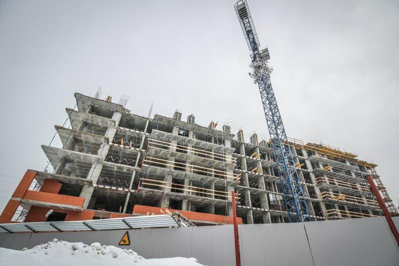 Конструкция многоэтажного здания стоковое фото rf