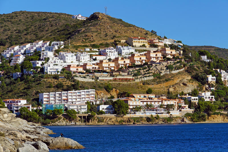 Конструкция на среднеземноморском побережье в Испании стоковая фотография