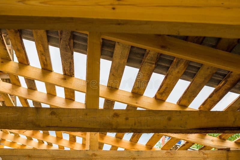 конструкция незаконченная Структура крыши стоковая фотография rf