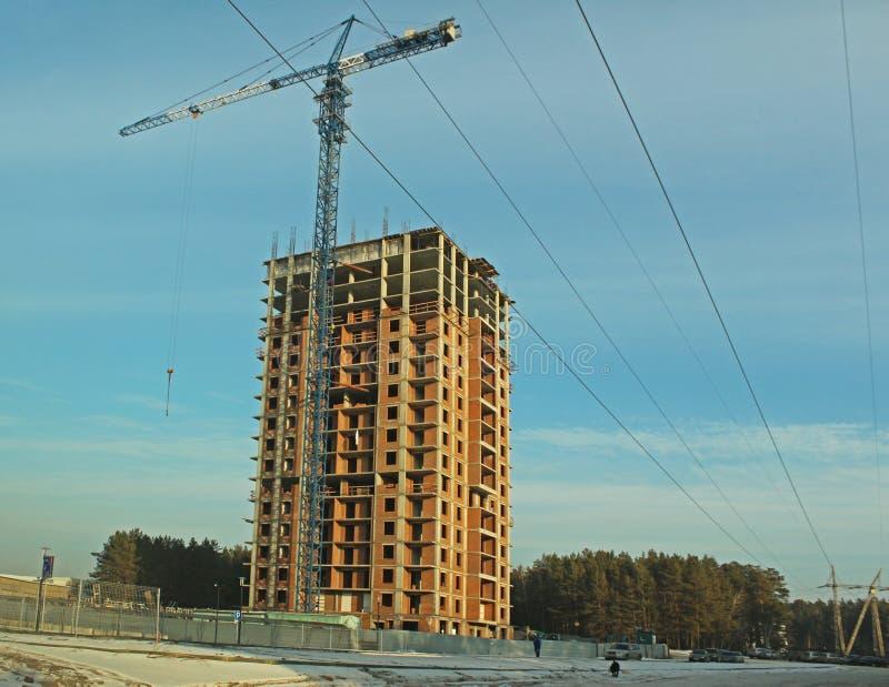 Конструкция дома высотного здания стоковые изображения rf
