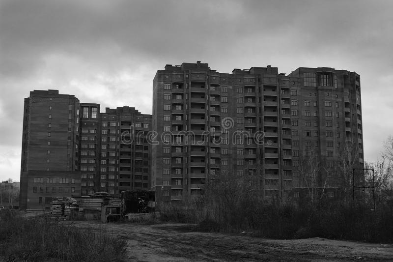 Конструкция домов высотного здания стоковое изображение
