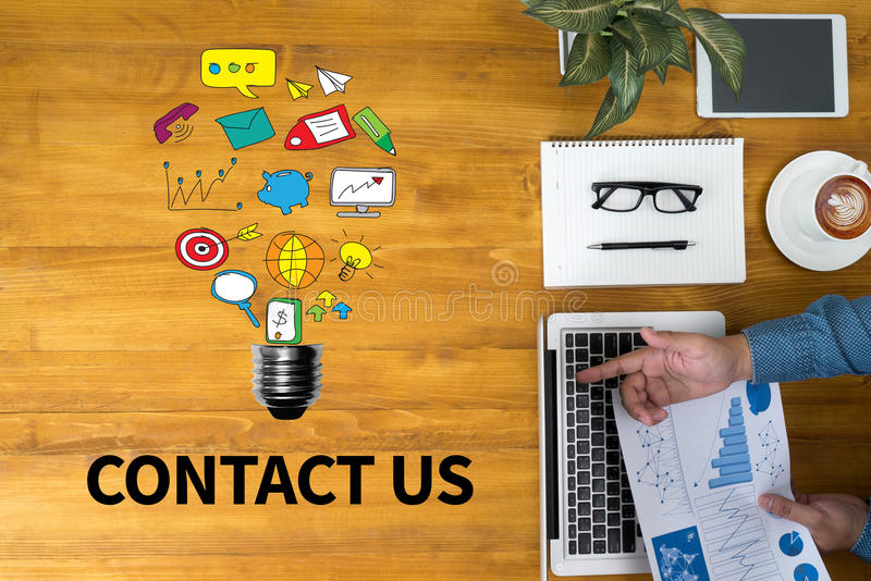контактируйте почту позвоните по телефону нам стоковое изображение