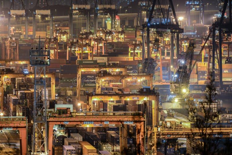 Контейнерные терминалы стоковая фотография rf