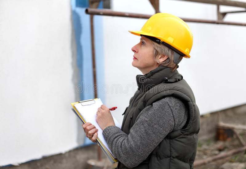 Контролер на строительной площадке стоковое фото rf