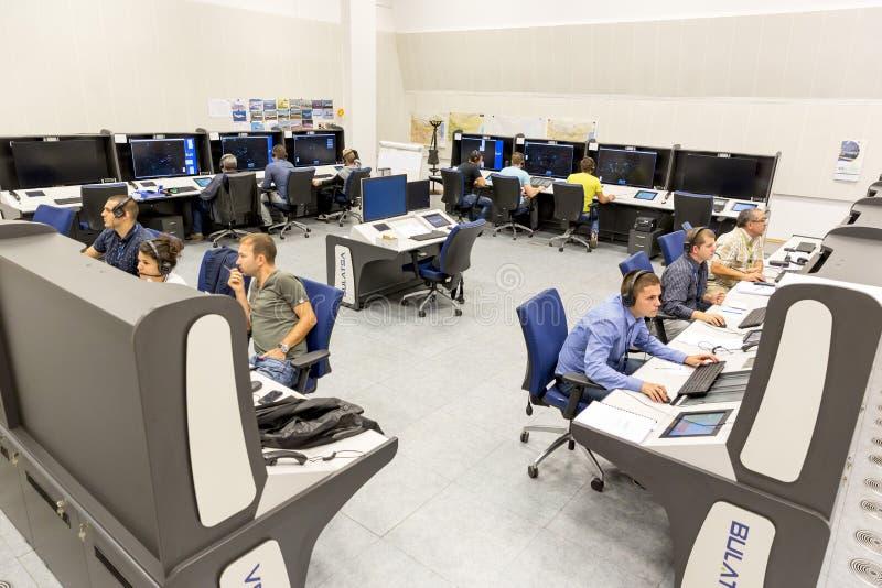 Контрольный центр контроля власти обслуживаний воздушного движения   Контрольный центр контроля власти обслуживаний воздушного движения Редакционное Стоковое Изображение изображение насчитывающей