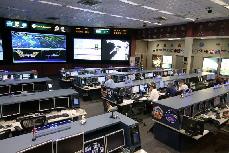 Контрольный центр управления полетом международной космической   Контрольный центр управления полетом международной космической станции Редакционное Стоковое Изображение изображение 66752379