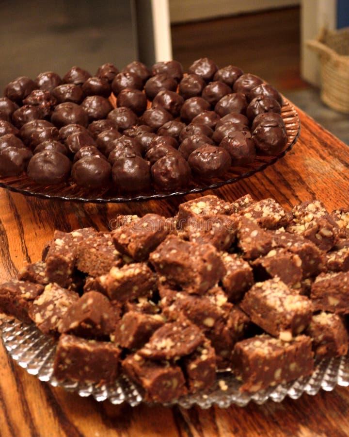 Конфета шоколада - fudge и bonbons стоковая фотография