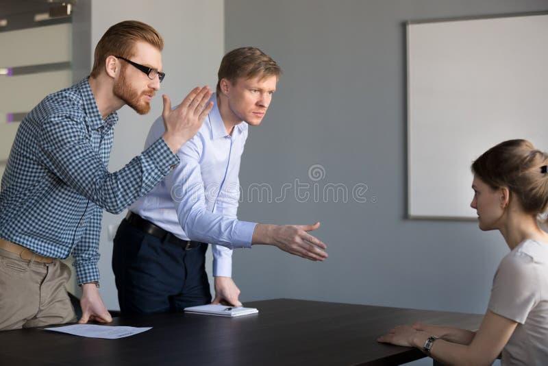 Конфликтная ситуация в офисе стоковое фото rf